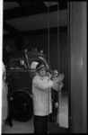 20037-31-23 Opening ROTEB-post en brandweerkazerne aan het Bosland door wethouder J.U. Schilthuis.