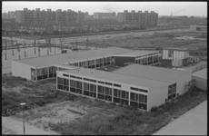 20463-2-6 Wijkgebouw De Wissel in wijk Het Lage Land tussen Marinus Bolkplein en Koningslaan in de Prins Alexanderpolder.