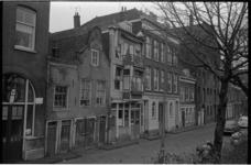 21371-5-30 Historisch panden aan de Achterhaven in Oud-Delfshaven met o.a. bedrijfspand Commijs (agentschap Brouwerij ...
