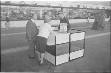 21487-4-14 Informatievoorziening NS in hal Centraal Station.