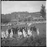3409 Vlaggenparade en jeugdvierdaagse in plantsoen Karel de Stouteplein in Oud Charlois.