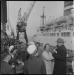 4016 Amerikanen arriveren met het passagiersschip Maasdam in Rotterdam voor een caravantocht door Europa, georganisserd ...