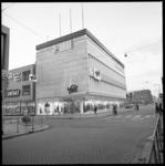 6863-2 Nieuwe winkelpand voor Modemagazijn Voss hoek Hoogstraat-Keizerstraat, links de electronicazaak Kontakt.