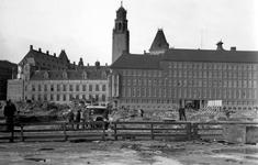 2003-1472 Gezicht op de door het Duitse bombardement van 14 mei 1940 getroffen omgeving van het Haagseveer met ...