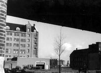 II-47-02 De achterzijde van het gebouw van industrie- en metaalhandel Maatschappij Rouppe van der Voort aan de ...