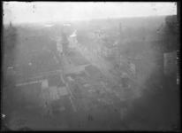 2007-2545-08 Panorama vanaf het Stadhuis aan de Coolsingel. In het midden molen De Hoop met recht daarvan de Coolsingel ...