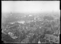 2007-2545-10 Panorama vanaf een hoog standpunt genomen, vermoedelijk het Stadhuis aan de Coolsingel
