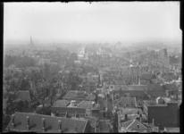 2007-2545-13 Panorama met de Delftse Poort met daar achter de Schiekade. Rechts daarvan het ronde Kopstation Hofplein. ...