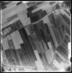 FD-4299-246 Verticale luchtfoto van de Rijksstraatwegbuurt met de Dordtschestraatweg (onder) en het Zevenbergschedijkje ...