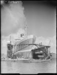 RDM-16833 Het passagiersschip de MS Willem Ruys van de Rotterdamsche Lloyd in Dok 8 voor een dokbeurt door de ...