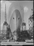 RDM-19602 De voorsteven van het passagiersschip s.s. Rotterdam (5) (RDM-300) in aanbouw op de werf van de Rotterdamsche ...