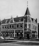 1968-2575 Apotheek van Dr. A.H.C. van Senus in de Avenue Concordia.