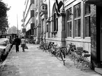 1969-2711 Voorgevels van het Gemeentearchief en OGEM aan de Mathenesserlaan.