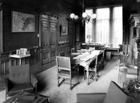 1969-2712 Interieur van het Gemeentearchief aan de Mathenesserlaan. Kamer van de archivaris.