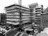1969-2779 Bouw van het derde depot van het Gemeentearchief aan de Mathenesserlaan. Op de achtergrond links de Robert ...