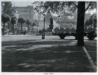 1969-456 Standbeeld van Erasmus op de Grotemarkt.