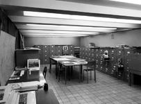 1970-1485 Interieur van het Gemeentearchief aan de Mathenesserlaan. De verzamelingen van de Topografisch-Historische ...