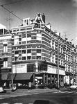 1970-2507 Winkel Tekenbroek aan de Nieuwe Binnenweg, op de hoek van de Claes de Vrieselaan.