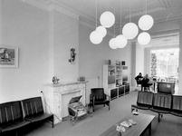 1971-2032 Interieur van het tehuis voor geestelijk gehandicapte volwassenen aan de Mathenesserlaan nummers 182-184.