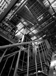 1971-2564-TM-2566 Interieur van het Gemeentearchief (eerste depot) aan de Mathenesserlaan.Afgebeeld van boven naar ...
