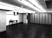 1971-682 Koelcel in de kelder van het Gemeentearchief (derde depot).