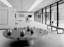 1972-1074-EN-1075 Interieurs van het nieuwe gedeelte van het Museum Boymans van Beuningen aan de Mathenesserlaan.