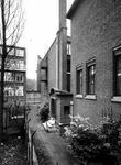 1972-2324-TM-2326 Het Gemeentearchief aan de oostzijde van de Mathenesserlaan nummer 315. Afgebeeld van boven naar ...