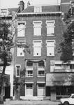 1975-1505-EN-1506 Panden aan de Vierambachtsstraat.Afgebeeld van boven naar beneden:-1505: huisnummer 13 (gebouwd in ...
