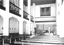 1976-1770-TM-1772 Interieurs van het R.K. bejaardentehuis Simeon en Anna in de West-Kruiskade 12.Afgebeeld van boven ...