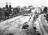 1976-258 Gezicht op de Nieuwe Binnenweg vanuit het dak van een huis op de hoek van de Breitnerstraat - Rochussenstraat ...