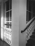 1976-895-EN-896 Interieurs van het verpleeghuis Sint-Antonius aan de Nieuwe Binnenweg 33.Afgebeeld van boven naar ...
