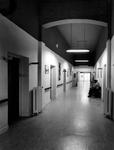 1976-897-TM-899 Interieurs van het verpleeghuis Sint-Antonius aan de Nieuwe Binnenweg 33.Afgebeeld van boven naar ...
