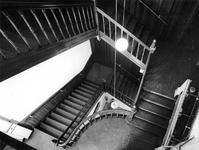 1976-946-TM-949 Interieurs van het verpleeghuis Sint-Antonius aan de Nieuwe Binnenweg 33. Afgebeeld van boven naar ...