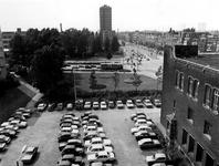 1977-2092 's-Gravendijkwal bij de kruising met de Rochussenstraat vanuit het dak van het Instituut voor Scheepvaart en ...