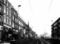1977-423 Gezicht op de Nieuwe Binnenweg met op de achtergrond het Eendrachtsplein.