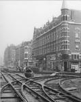 1986-376 Aanleg van de tramsporgen in de Schiedamseweg bij de Spanjaardstraat.