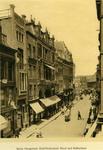 IX-1605-07 De Korte Hoogstraat met links o.a. het Zuid-Hollandsch Hotel en Koffiehuis. Op de achtergrond de Hoogstraat ...