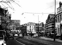 IX-2101-19-04-03 Gezicht op de Nieuwe Binnenweg met op de achtergrond links de Van Speykstraat en de Josephstraat.