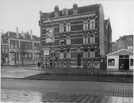 IX-3227-11 De Vondelweg, met links de van der Werffstraat, uit het westen.