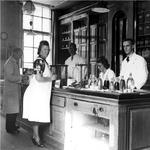 XII-90-00-01-2 Apothekersassistenten van de Gemeentelijke Geneeskundige- en Gezondheidsdienst ( G.G. en G.D. ) aan het ...