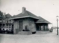 XV-157-1-EN-2 Transformatorhuisje met bloemenkiosk aan het einde van de Mathenesserlaan, ter hoogte van de Groshansstraat.