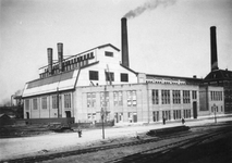 XV-231 Oude fabrieksgebouwen van de Electriciteitscentrale aan de Lloydstraat bij de Schiehaven.