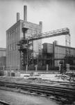 XV-233 Ketelgebouw van de Electriciteitscentrale aan de Lloydstraat bij de Schiehaven.