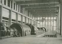 XV-55 Interieur van de elektriciteitscentrale aan de Galileistraat.