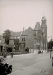 XVIII-314-01 Gezicht op de Mathenesserlaan met de Remonstrantse kerk aan de Westersingel.