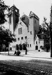 XVIII-383 Kerk van de H. Laurentius en Sint-Elisabeth aan de Mathenesserlaan.