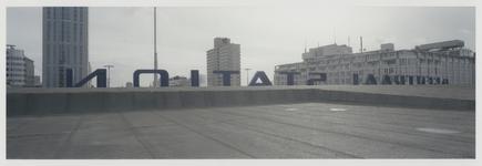 2003-1054-3 Het dak van het Centraal Station, gefotografeerd richting het zuiden. De belettering Centraal Station is ...