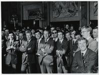1970-723 De spelers van Feyenoord in de Burgerzaal van het stadhuis tijdens de toespraak van burgemeester Thomassen ...