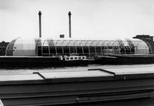 1990-640 Bouw van twee tentoonstellingshallen op de Müllerpier, een voor PTT-Telecom en een voor de manifestatie ...