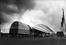 1990-641 Bouw van twee tentoonstellingshallen op de Müllerpier, een voor PTT-Telecom en een voor de manifestatie ...
